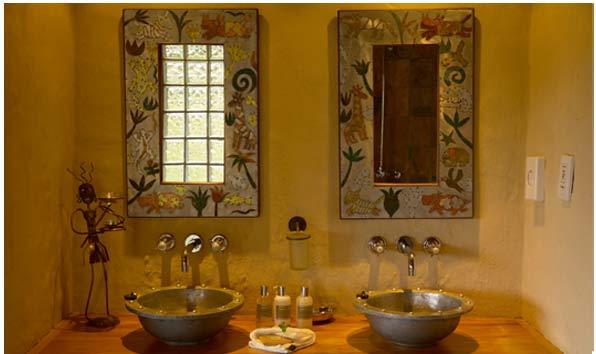Addo accommodation. Woodall Addo guest house bathroom facilities